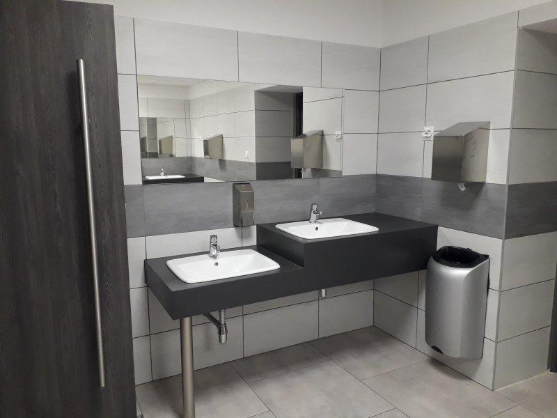 łazienka męska po remoncie (7).jpg